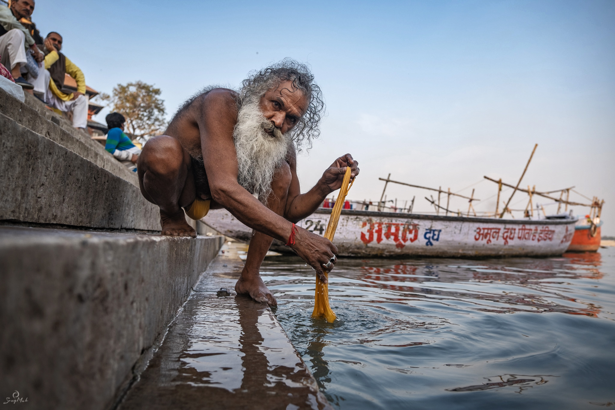 Sadhu bathing on the ghats