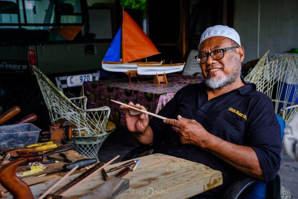 Zainal and his jukong carvings